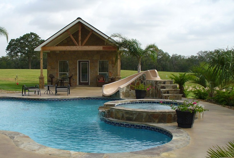Pool and poolhouse